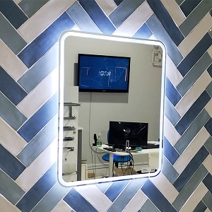 Oriana 24 Mirror LED