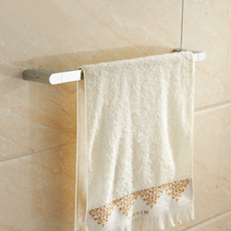 Circolo Towel Bar